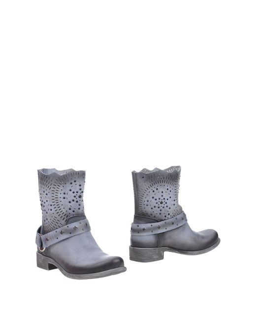 CafeNoir Gray Ankle Boots