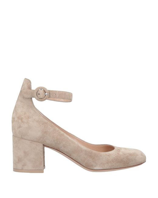 Gianvito Rossi Zapatos de salón de mujer de color neutro