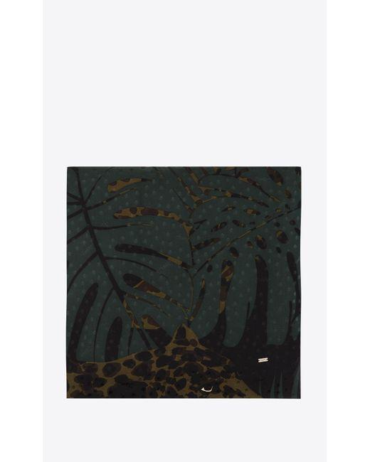 Foulard quadrato grande in jacquard di seta motivo leopardato nocturnal jungle di Saint Laurent in Green