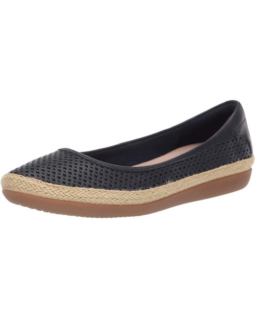 Clarks Leather Danelly Adira in Navy