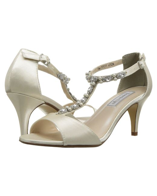 Touch Ups - White Donna (ivory) Women's Shoes - Lyst