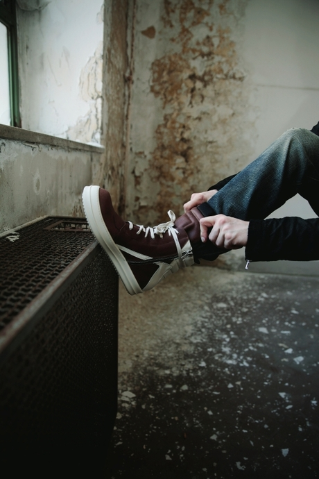 Step Out in Style: The Hottest Sneakers for Men