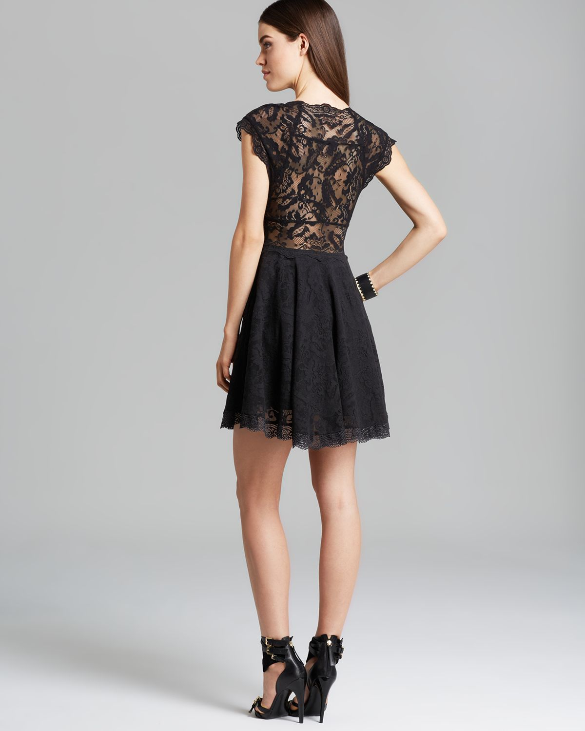 e827a3bd604c91 Guess Dress Amber Lace in Black - Lyst