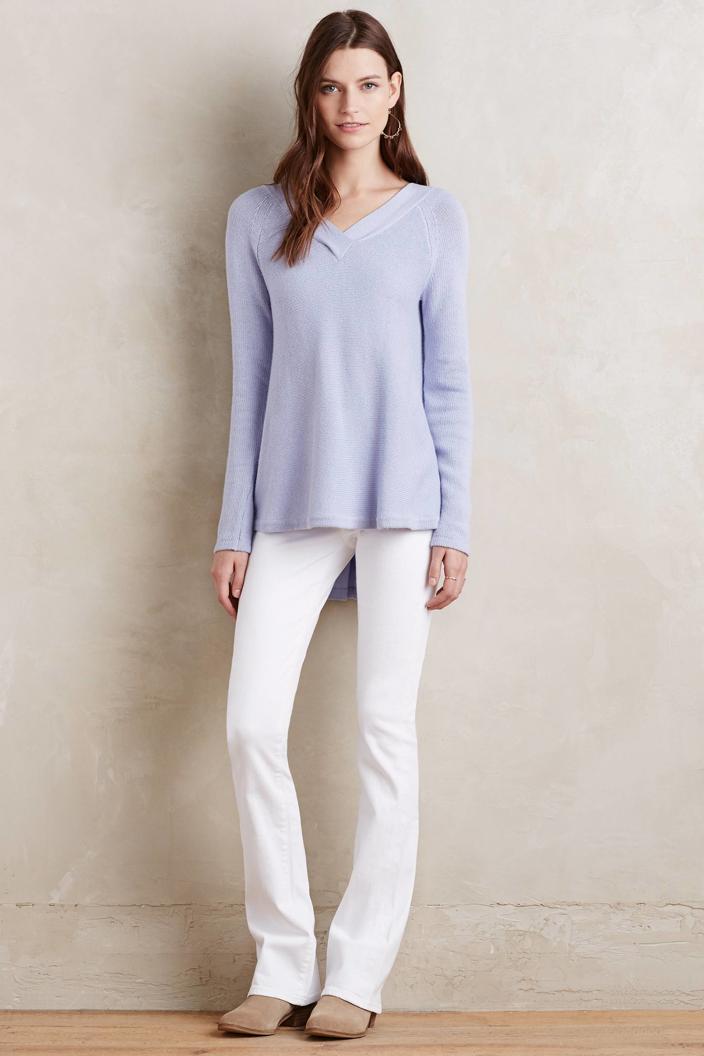 Look and feel great in our women's petite jeans designed specifically for your smaller frame. From skinny to flare, Talbots petite jeans always fit your style.