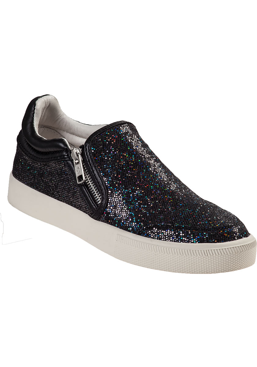 The Steve Madden Becca Black Perforated Slip-On Platform Sneakers will have you looking stylish on the go! Sleek, perforated faux leather shapes a rounded-toe upper with slip-on design atop a