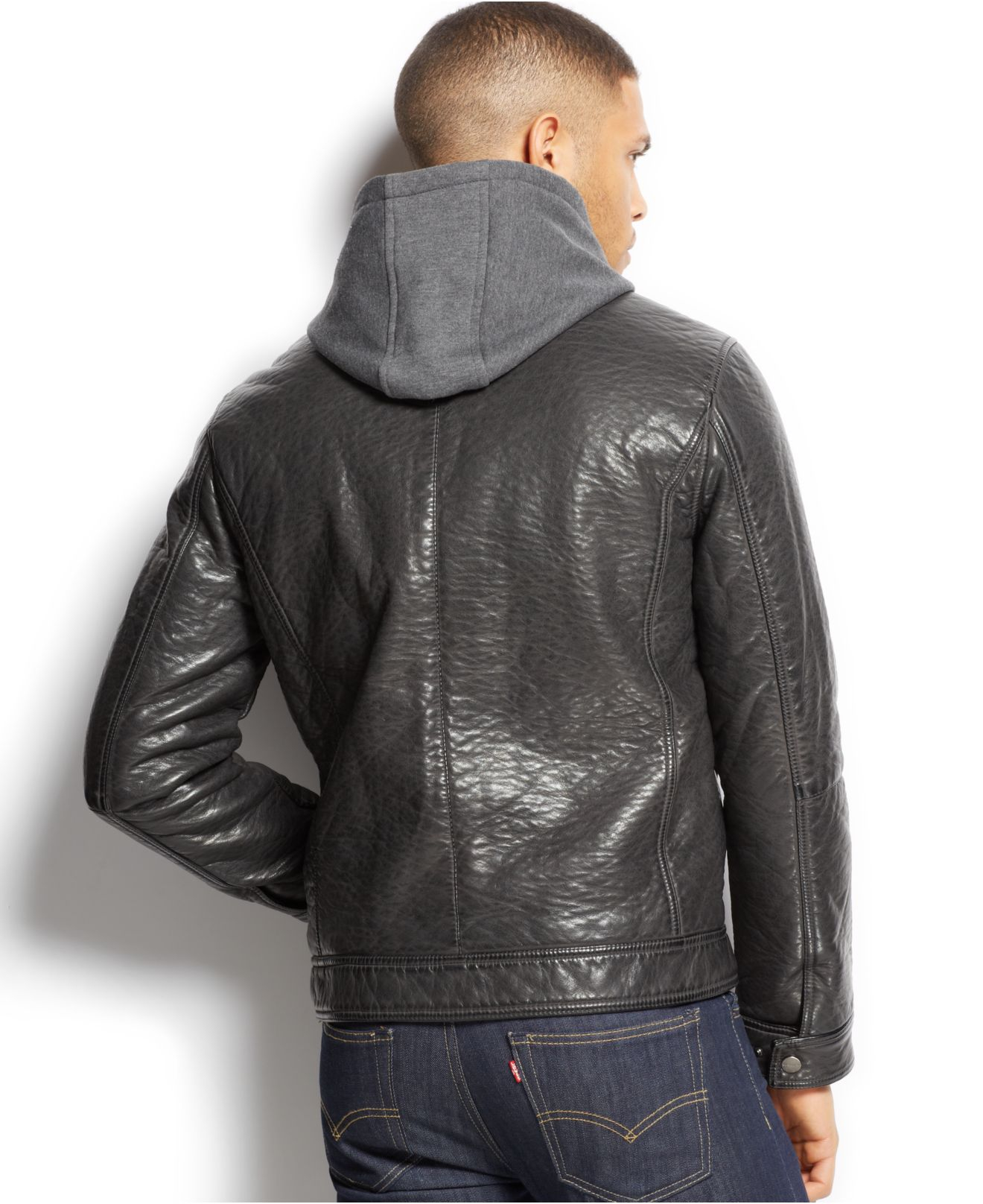 The Classic Bomber suitable for big and tall men is from Falcon Bay. A stylish jacket that is water repellent, ideal for use in winter, spring, or fall.