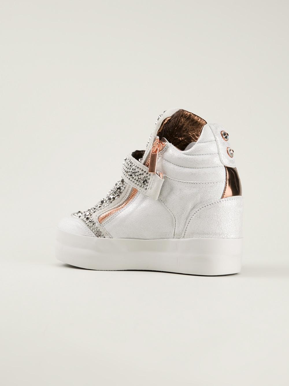Alexander Smith Studded Hitop Sneaker in Grey (Grey)