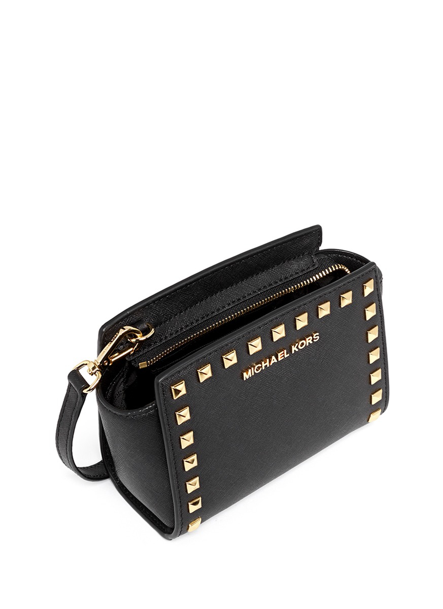 bd1f153609a6 Gallery. Previously sold at  Lane Crawford · Women s Leather Messenger Bags  Women s Michael By Michael Kors Selma