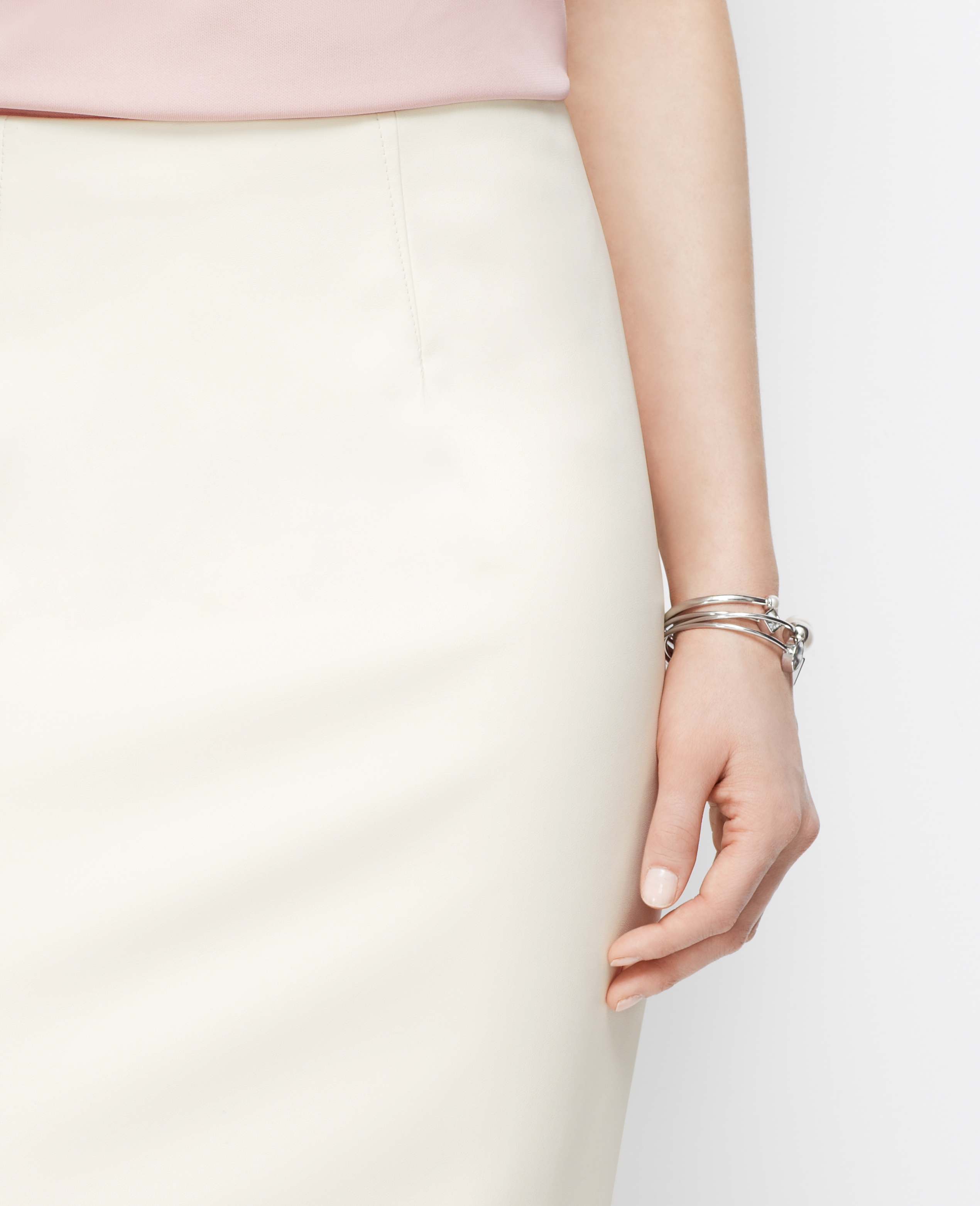 Ann taylor Petite Faux Leather Pencil Skirt in White | Lyst