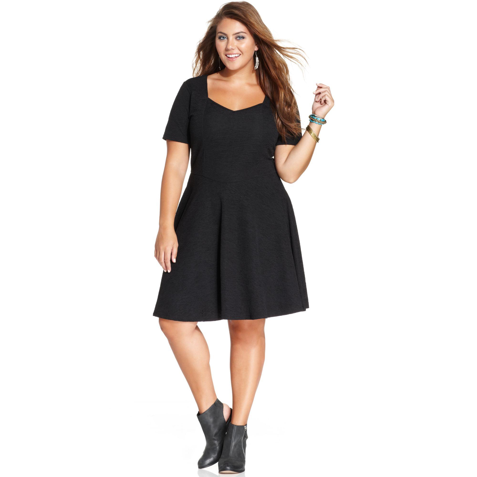 Plus Size Shortsleeve Textured Skater Dress