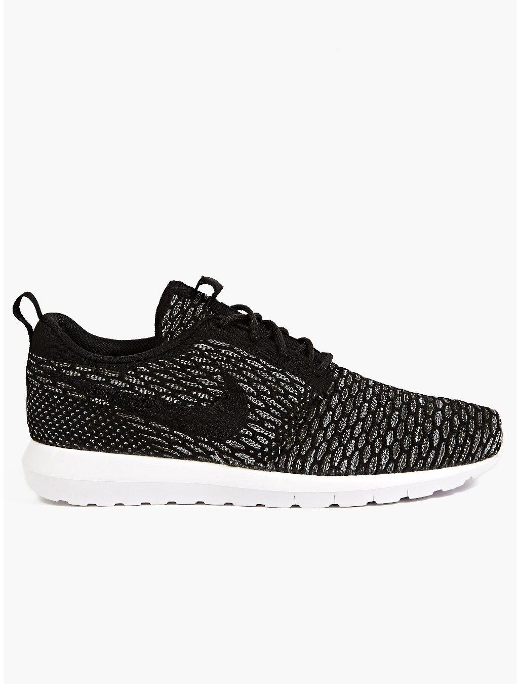 Nike Mens Black Flyknit Roshe Run Sneakers in Black for ...