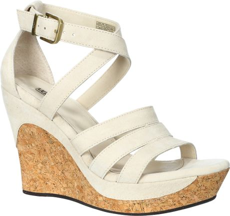 You can always rely on wedge sandals because there's a pair for every occasion. The wide selection of wedges available at Payless has exactly what you and your favorite outfits need. Gladiator sandals with wedges combine the fun look of strappy sandals and the heel height you might want for a dinner date or night out with friends.