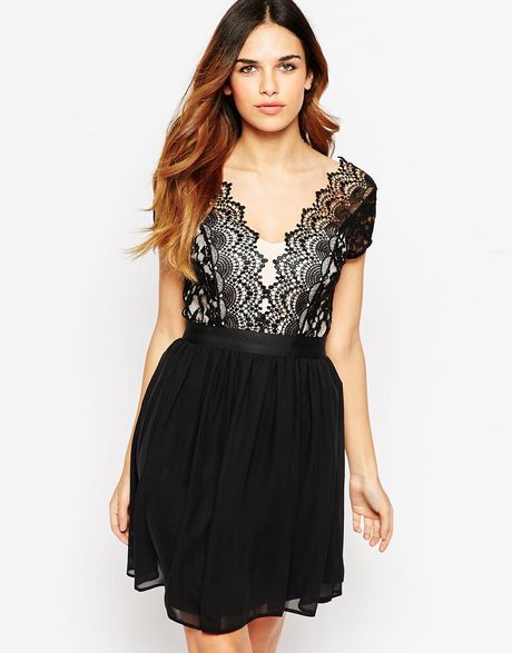 Elise ryan skater dress with plunge scallop lace bodice in black