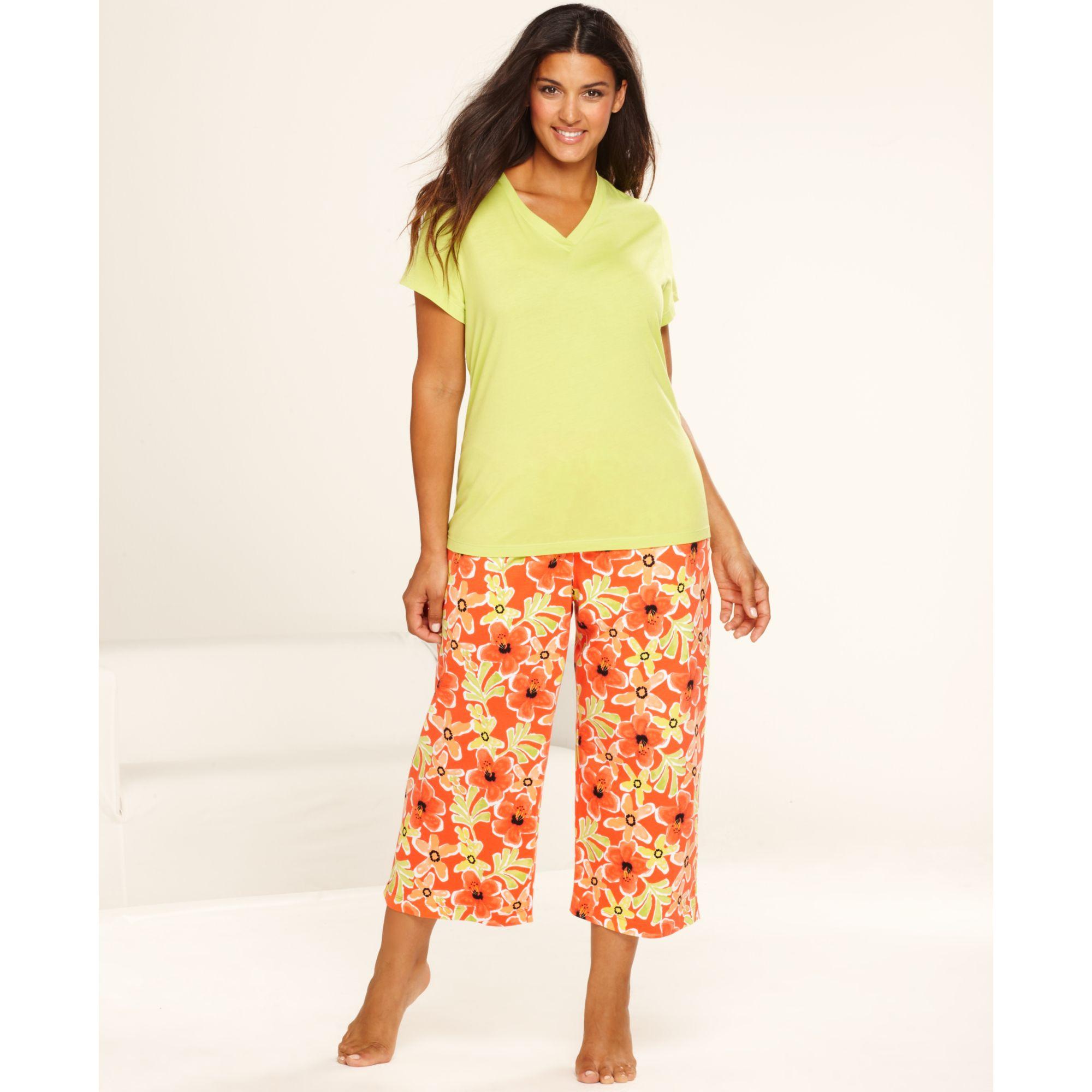 Hue Plus Size Short Sleeve Top and Kiana Floral Capri Pajama Pants ...