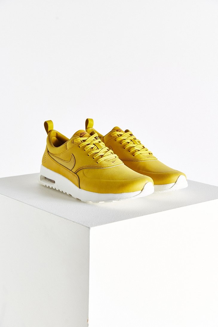 on sale 92cfe 0cc89 Gallery. Previously sold at  Urban Outfitters · Women s Nike Air Max