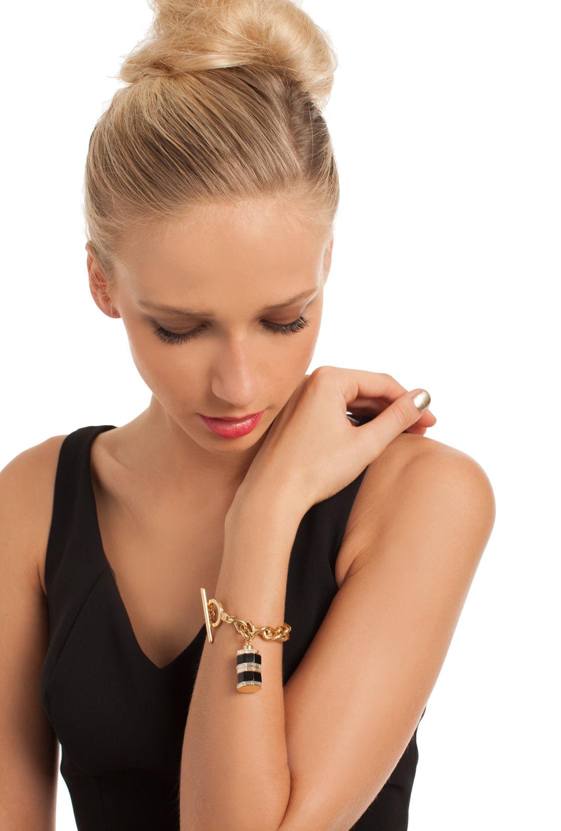 Trina Turk Color Charm On Curb Chain in Black (Metallic)