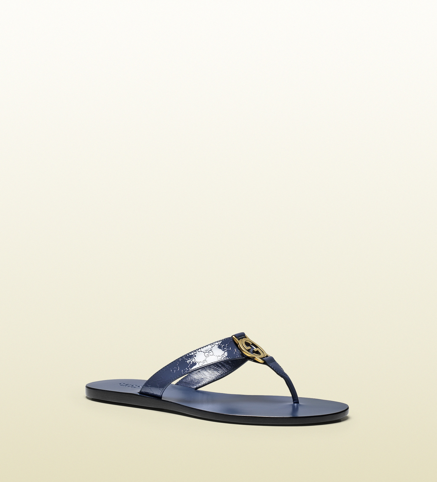 b3b5188e03966e Lyst - Gucci Gg Thong Patent Leather Sandal in Blue