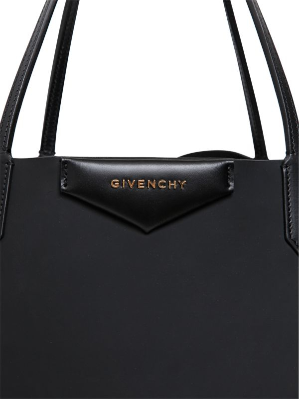 Lyst - Givenchy Large Antigona Rubber Effect Tote Bag in Black fd5c6b6bb042a