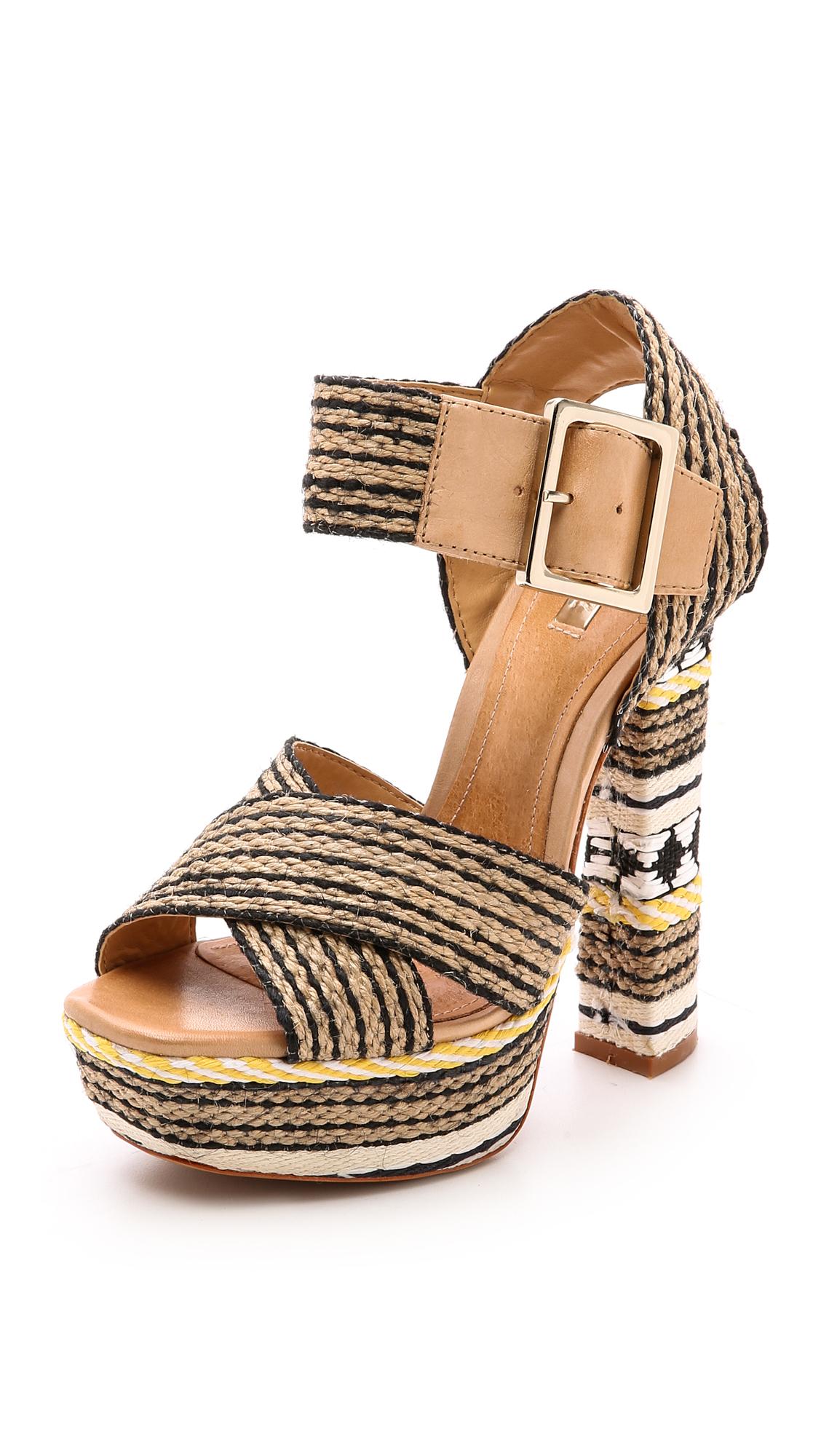 Schutz Erminiana Woven Platform Sandals Preto Natural