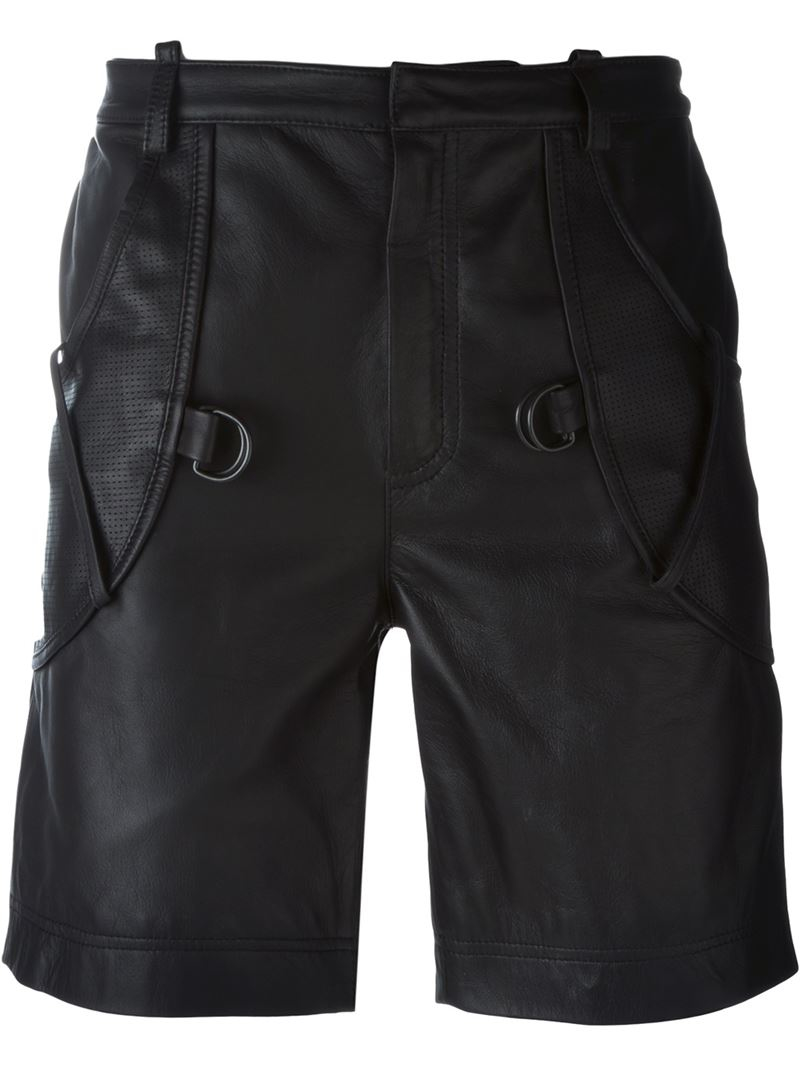 Looking at the conventional cotton and denim shorts, men are now soon fitting into the trendy leather shorts. Men's leather shorts has become a fashion statement, they are .