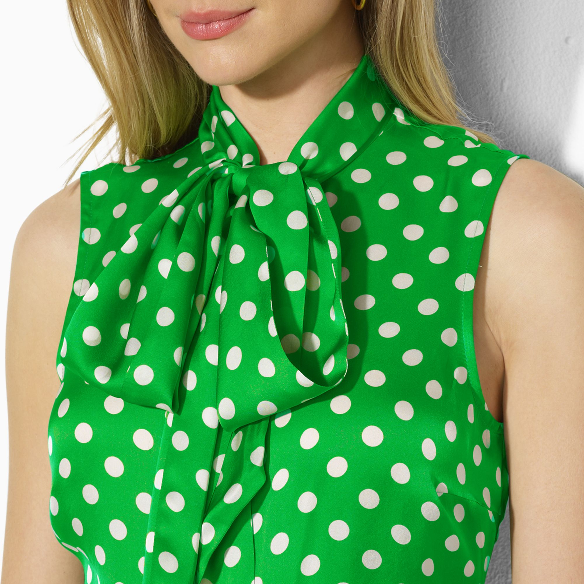 Find Polka Dot fashion fabric at free-desktop-stripper.ml! Free shipping on domestic orders $49+. Free Returns. Shop classic polka dot fabric for dresses, tops, shirts and more! Polka Dot knit fabric, cotton fabric, crepe fabric, minky fabric and more!