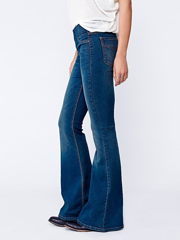 Womens Kick Flare Jeans