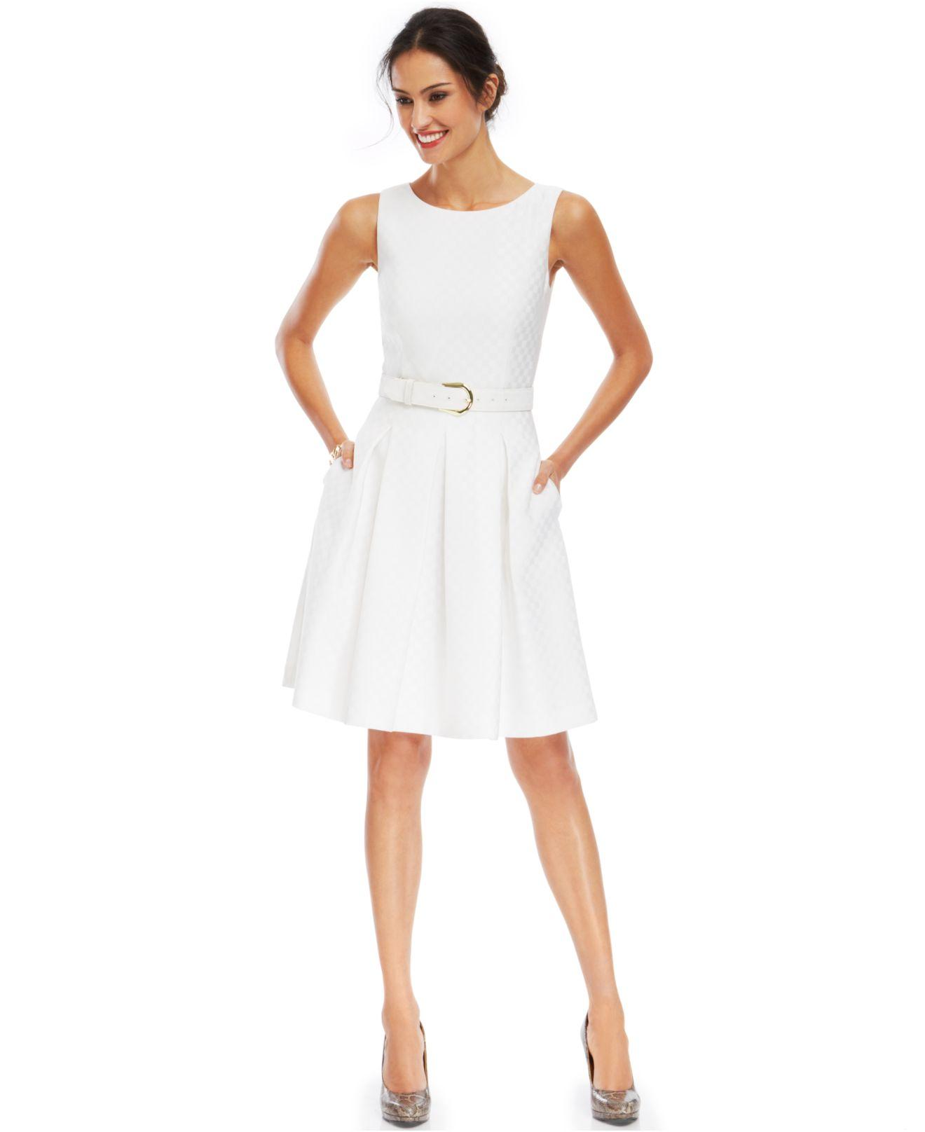 0db49272d01a Tahari Tahari By Asl Sleeveless Pleated Jacquard Dress in White - Lyst