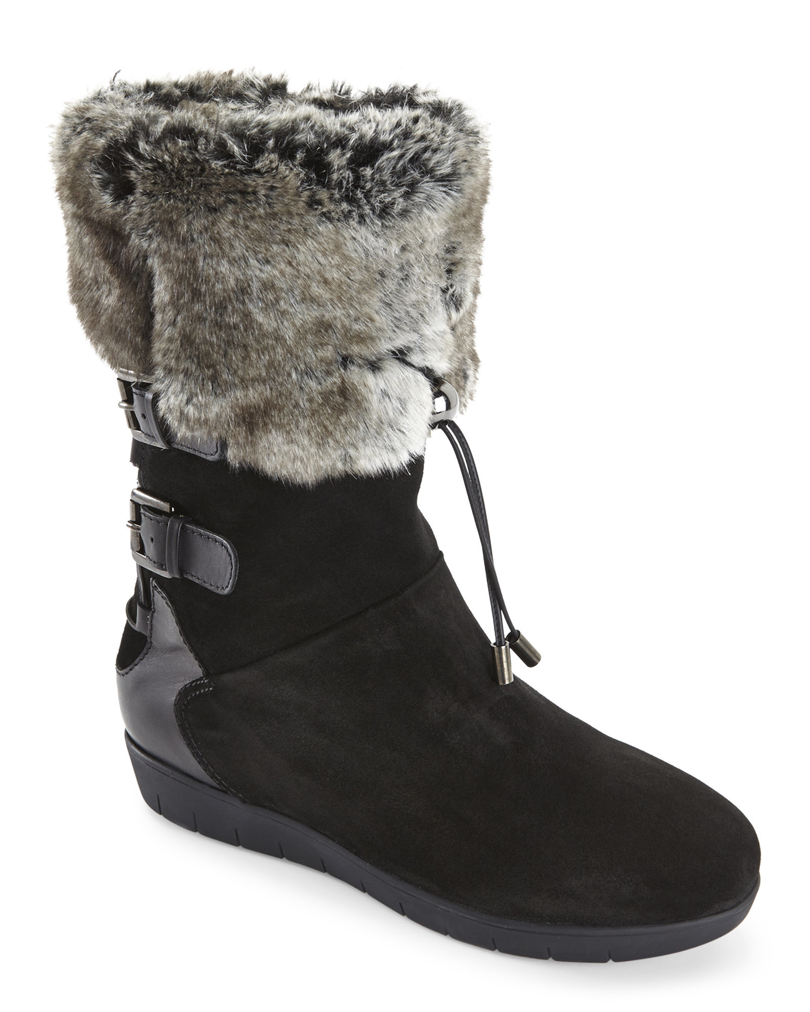 Bold quilting highlights the shaft of this snow-savvy boot. The traction sole offers a sturdy, no-slip grip.