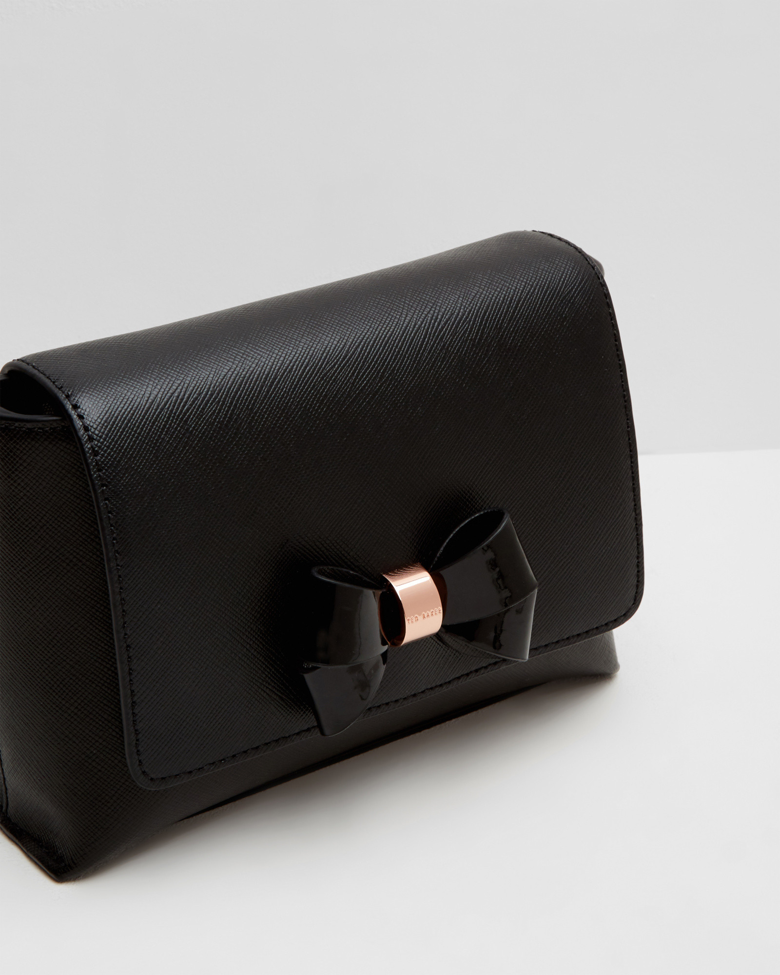 Ted Baker Laukku Stockmann : Ted baker bow detail leather crossbody bag in black lyst