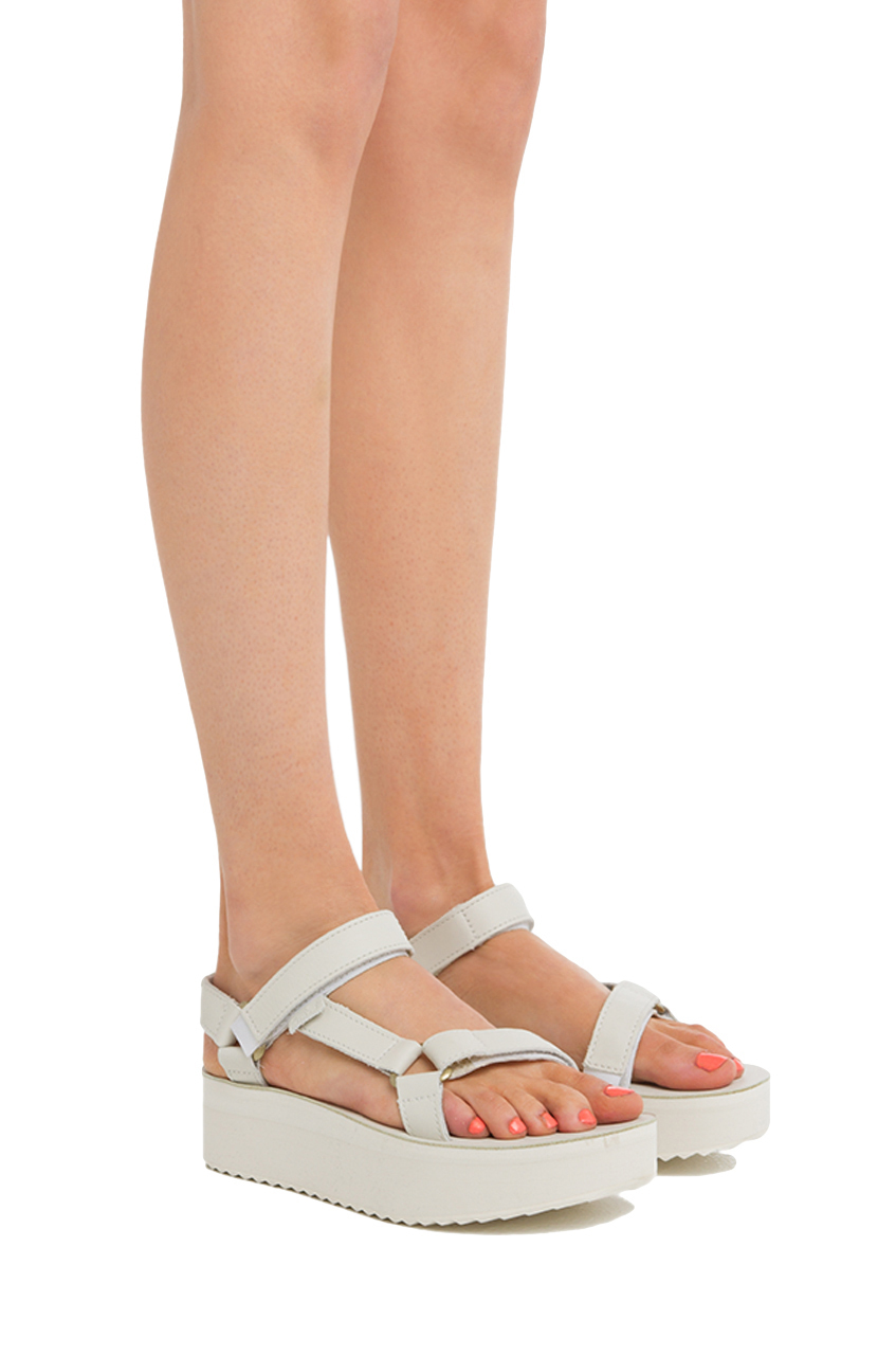 Lyst Teva Flatform Universal Crafted In Gray