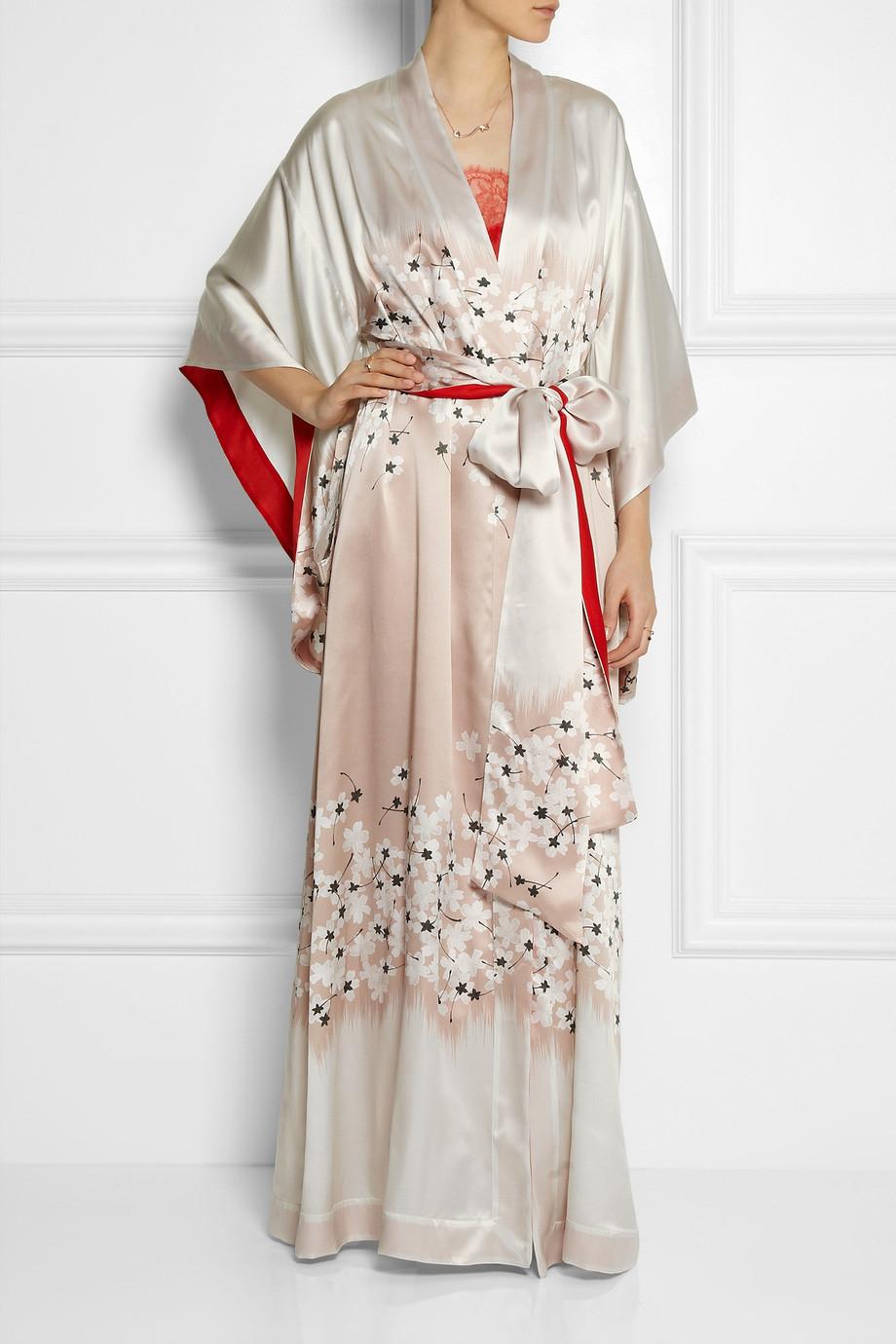 Lyst - Carine Gilson Sakura Floral-print Silk-satin Kimono Robe in ... c27d418cd