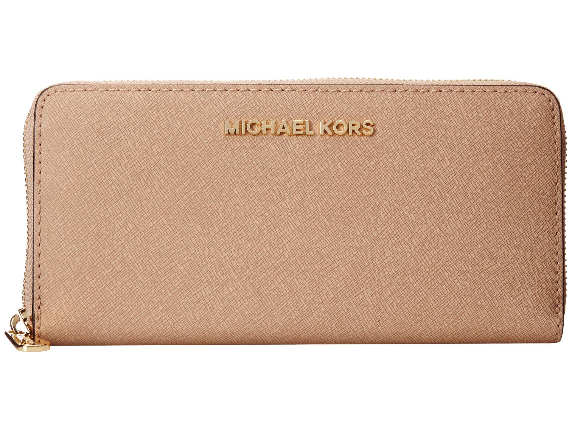 b94c7360613e MICHAEL Michael Kors Jet Set Travel Za Continental in Pink - Lyst