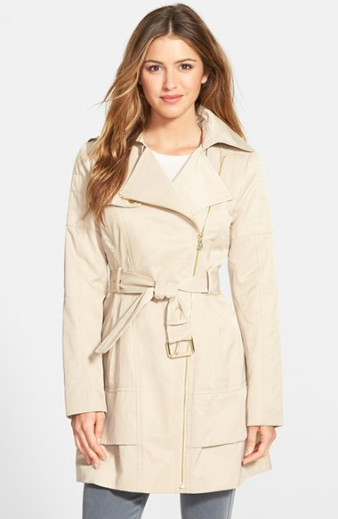 best selection of 2019 top-rated cheap top-rated official Guess Asymmetrical Zip Trench Coat in Khaki (Natural) - Lyst