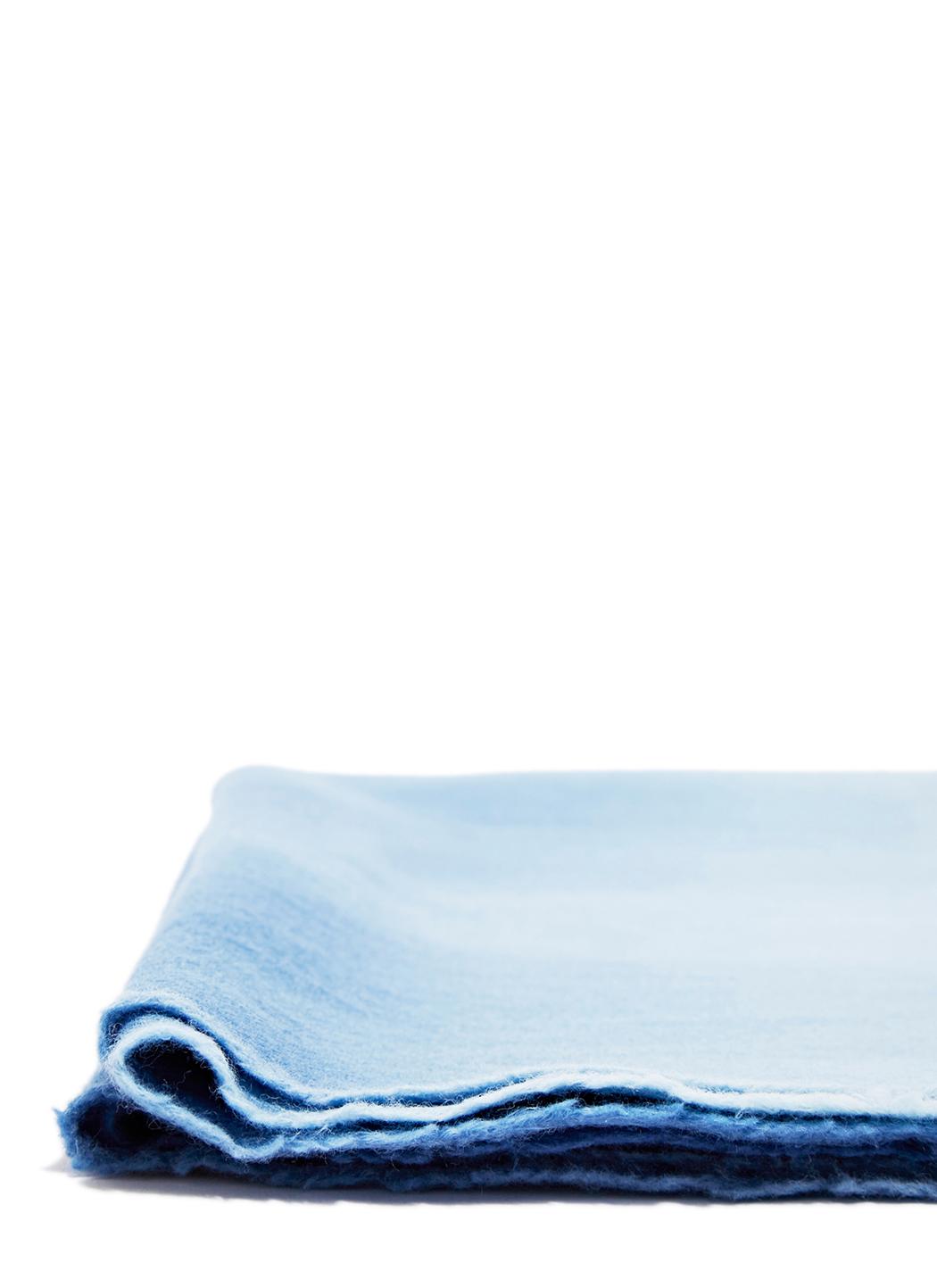 Sylvan foulard en pure laine ombr d in blue lyst for Sylvan app