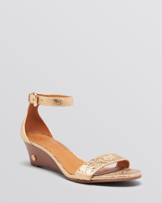 a47362c31 Tory Burch Open Toe Wedge Sandals Savannah in Metallic - Lyst
