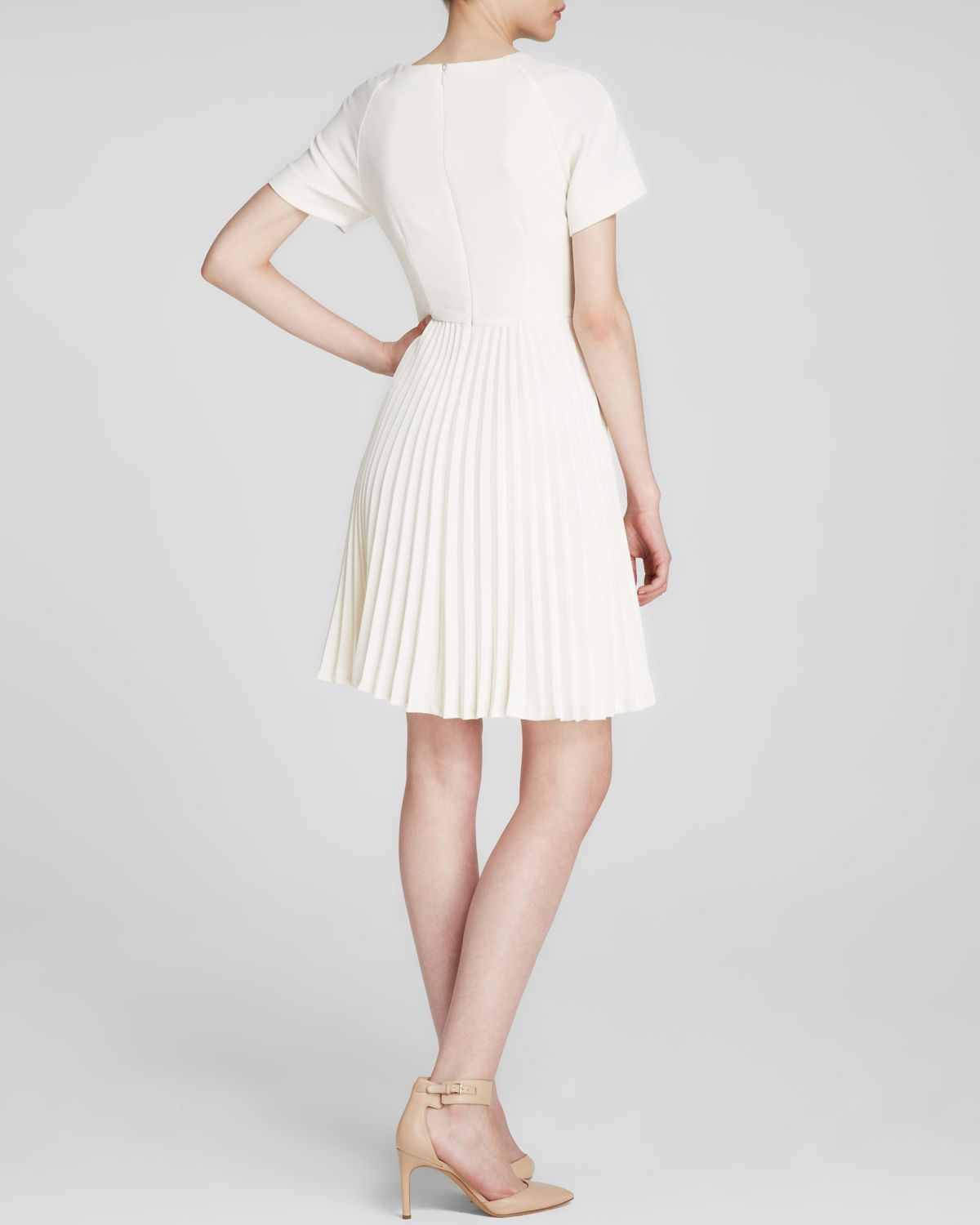 Trina turk Dress - Estrella Short Sleeve Pleated Skirt in White | Lyst
