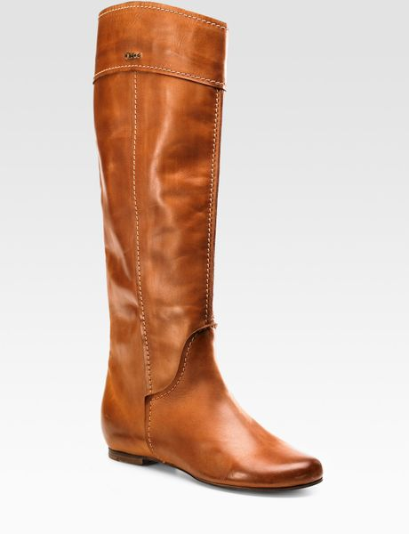 chlo 233 flat boots in brown lyst