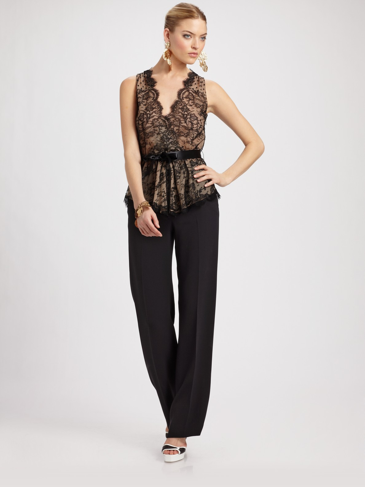 6021a139657f4 Oscar de la renta V-neck Lace Blouse in Black