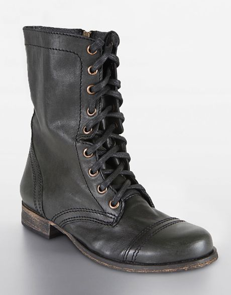 steve madden troopa lace up boots in black black leather