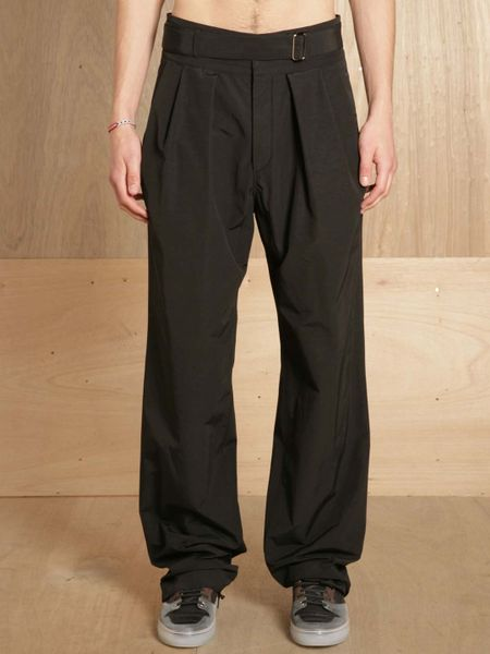 Reflecting on 15 years of innovation, Y-3 takes a signature design and reimagines it with lightweight fabric to create the Sarouel Pants. The loose silhouette has a roomy fit and low crotch.