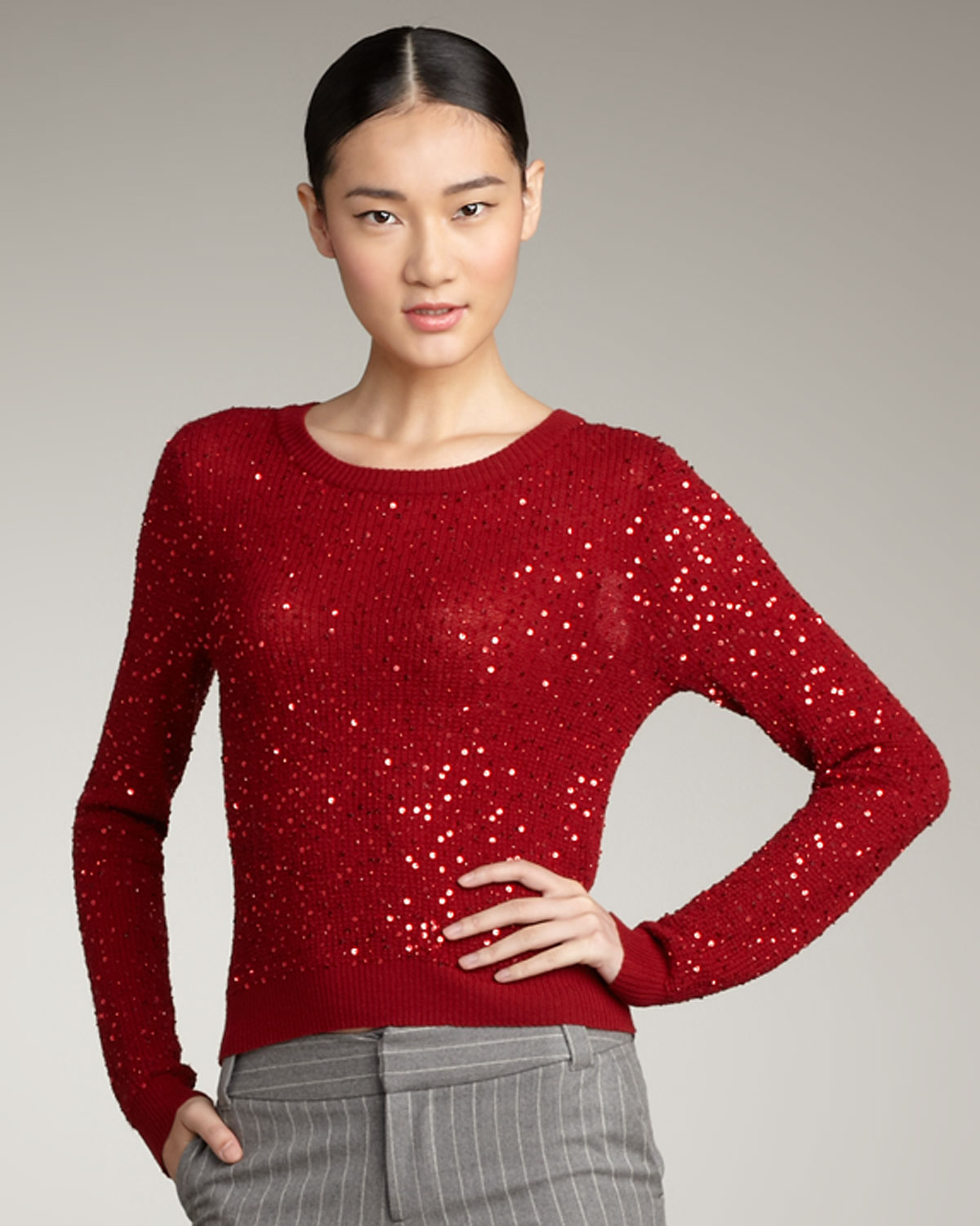 Alice   olivia Juanita Sequin Cropped Sweater in Red | Lyst