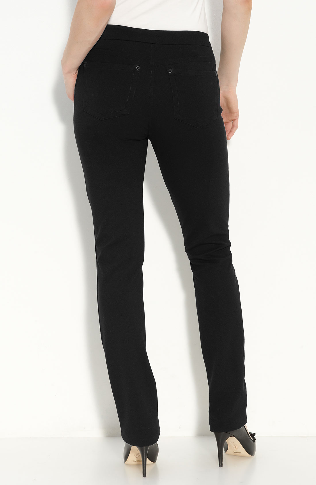 Product Features Straight-leg jean with five-pocket styling and zip fly with button closure.