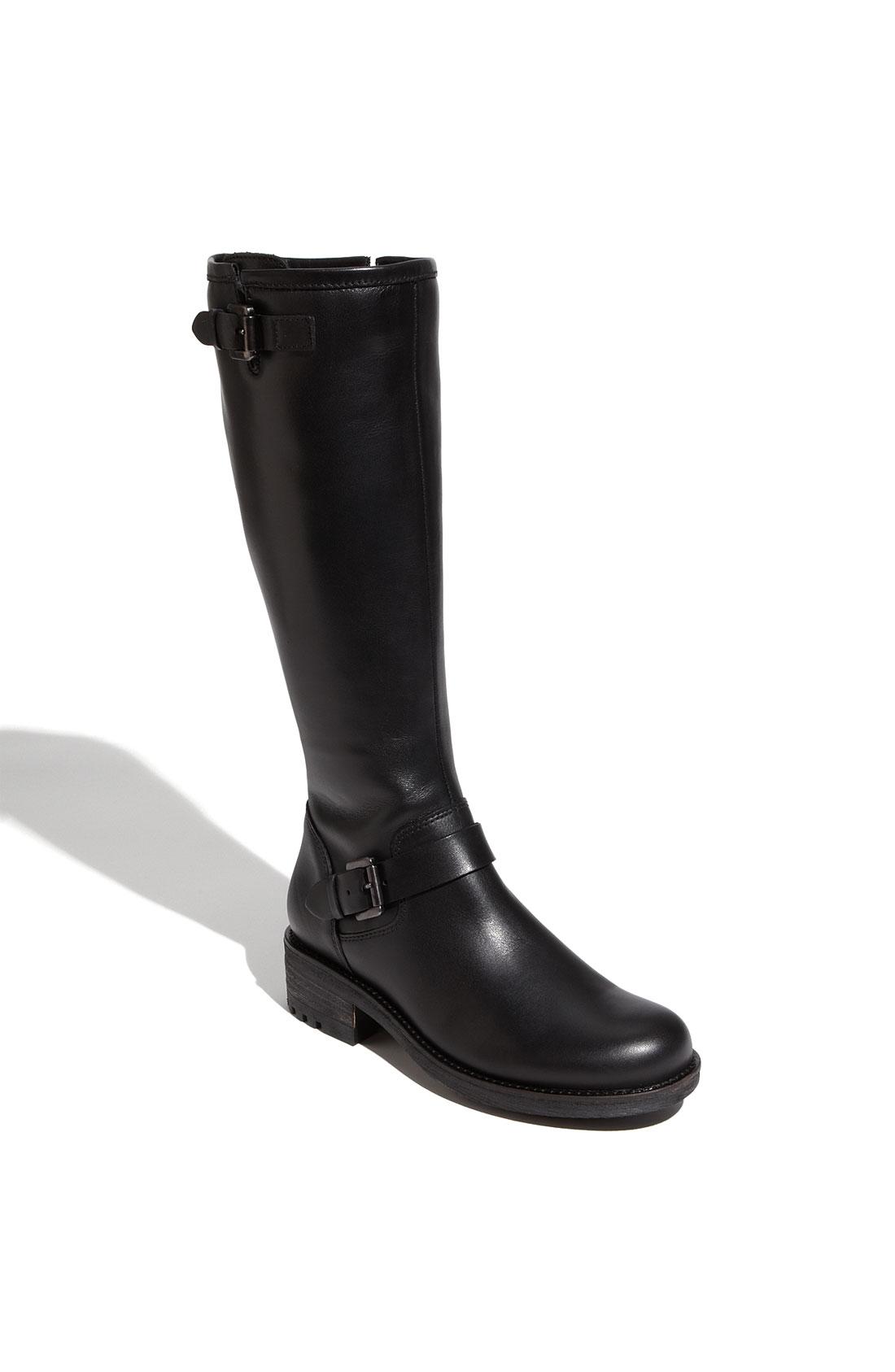 Ugg Womens Caleb Shoes