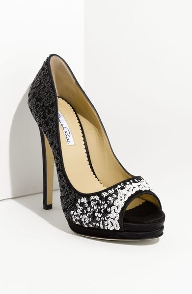 Oscar De La Renta Satin Sequin Pump in Black (black/ white)