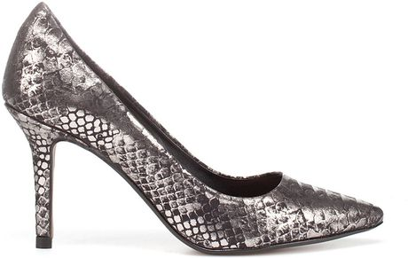 Zara Laminated Python Court Shoe in Silver (black)