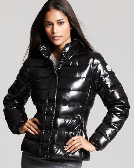 Moncler Short Quilted Puffer Jacket In Black Lyst
