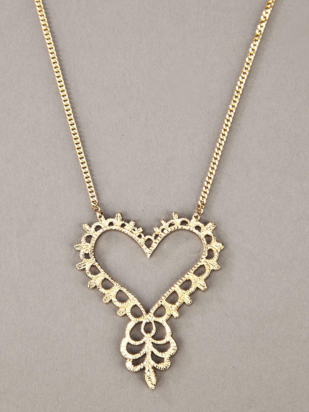 Zoe & Morgan Gypsy Love Necklace in Gold (Metallic)