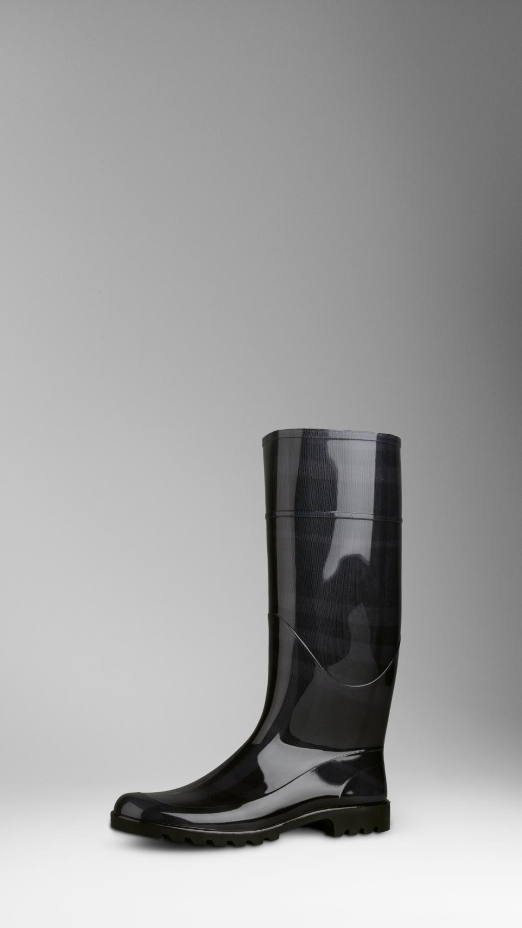 Burberry Beat Check Rain Boot in Black