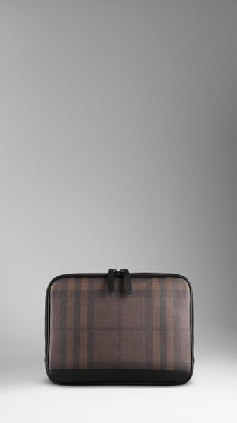 Burberry Smoked Check Laptop Sleeve in Brown for Men (chocolate)