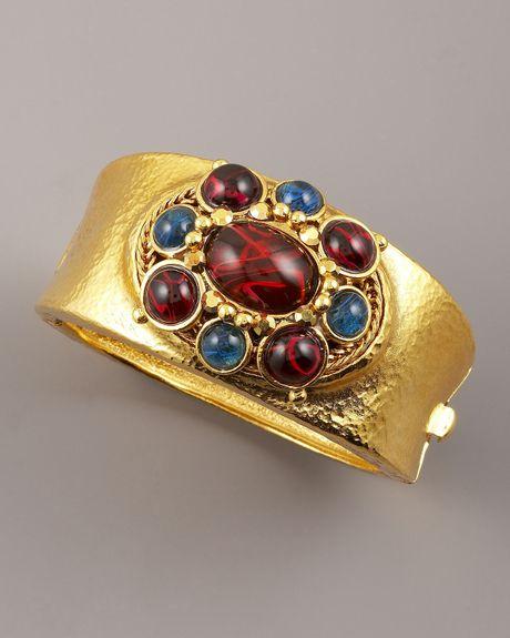 Jose & Maria Barrera Hammered Ornament Bracelet in Gold - Lyst